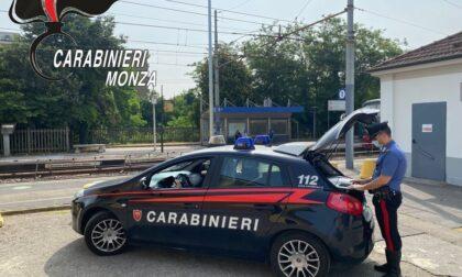 Tenta di rubare una bici in stazione e prende a pugni il proprietario, 28enne inseguito e arrestato dai Carabinieri