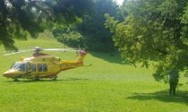 Malore in clinica, nel parco di Carate atterra l'elisoccorso