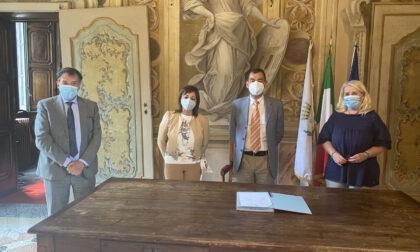 Firmata la convenzione, partono i lavori per il parco del ricordo a Vimercate