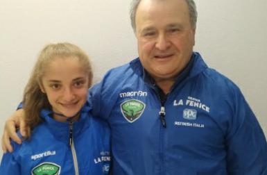 La 19enne Francesca è una guida di gare al buio per atleti non vedenti