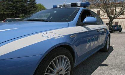 Fuga in Statale 36 in auto con la droga: si schianta e viene arrestato. Non aveva nemmeno la patente