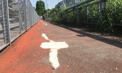 """Crepe e fessure sull'asfalto: il ponte sull'autostrada """"sorvegliato speciale"""""""