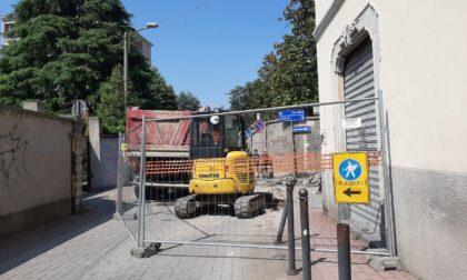 Strada chiusa per due mesi, commercianti esasperati