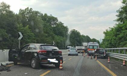 Incidente sul curvone di Briosco, traffico in tilt sulla Valassina