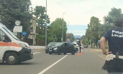 Scontro tra due auto a Giussano, soccorso anche un bambino