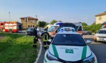 Pauroso scontro tra due auto a Bellusco, arrivano anche i Vigili del fuoco