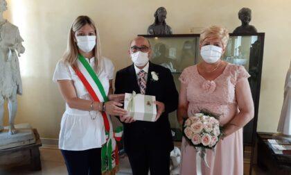 Sposi a quasi settant'anni, in regalo anche il kit nozze del Comune