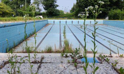 La triste fine della piscina comunale, ormai destinata alla demolizione