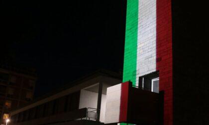 In attesa della finale di Euro 2020, Palazzo Terragni diventa... tricolore