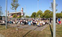 Musulmani uniti in preghiera al palazzetto per la «Festa del sacrificio»