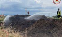 In fiamme materiale di compostaggio