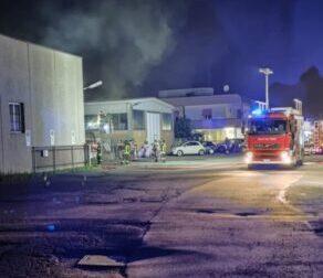 Montevecchia, incendio nella zona industriale