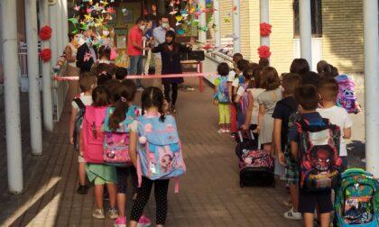 Primo giorno di scuola a Muggiò con gli auguri del sindaco