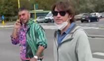 Il rapper Emis Killa e il siparietto con l'amico comico al supermercato