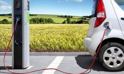 Mobilità elettrica: 12 milioni agli enti pubblici per le colonnine di ricarica