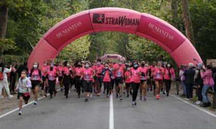 """Un """"fiume"""" rosa al via della StraWoman a Monza"""