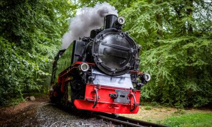 Tutto pronto a Besana: alle 10,44 arriva in stazione il treno storico a vapore