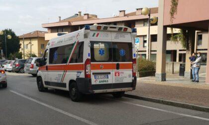 """Attimi di paura in centro Arcore: anziano investe un ciclista, poi """"fugge"""""""