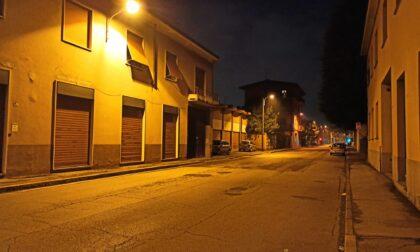 Dopo anni di buio, torna la luce sulle strade della città