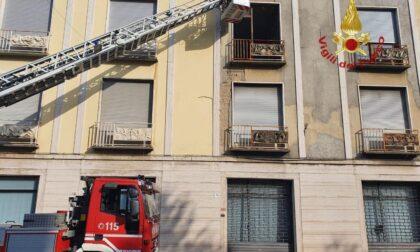 Pompieri a Lissone per la messa in sicurezza di un edificio