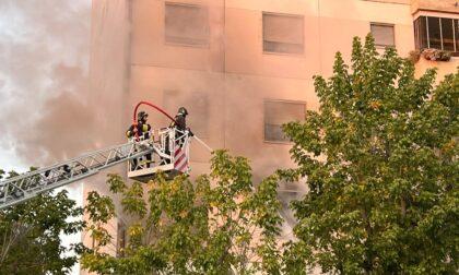 Incendio nell'appartamento di un condominio
