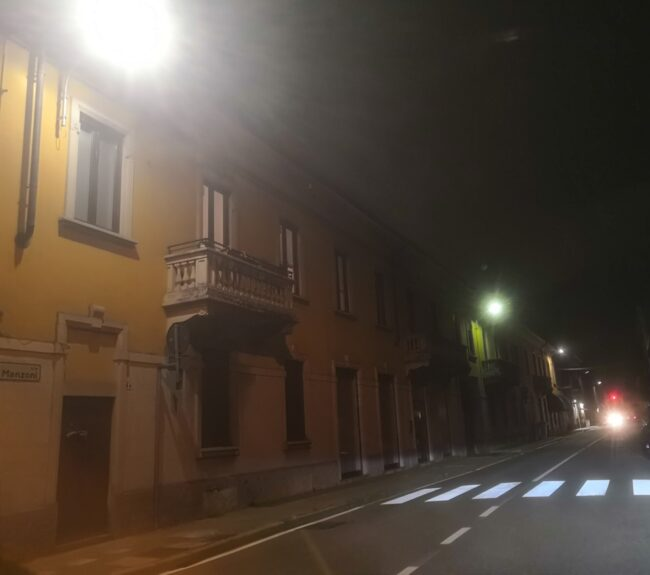 Lissone, luce a led in via Manzoni
